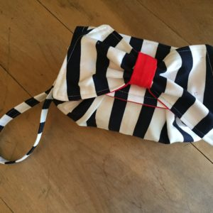 bowclutchstriped